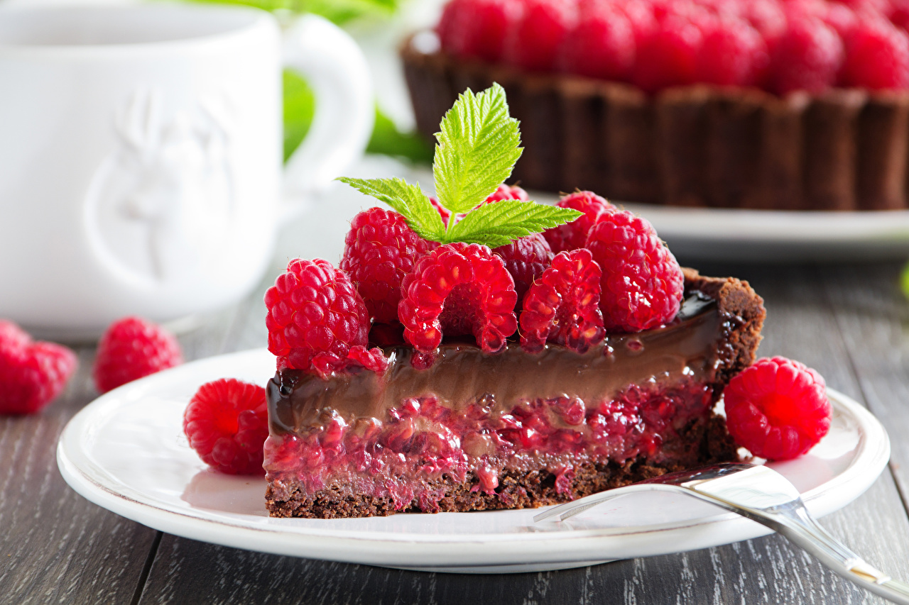 Фотографии Малина Тарелка Продукты питания Пирожное Сладости Еда Пища