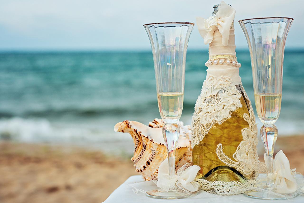 Картинки 2 Шампанское Пища Бантик Бокалы бутылки Дизайн два две Двое вдвоем Игристое вино Еда бант бокал бантики Бутылка Продукты питания дизайна