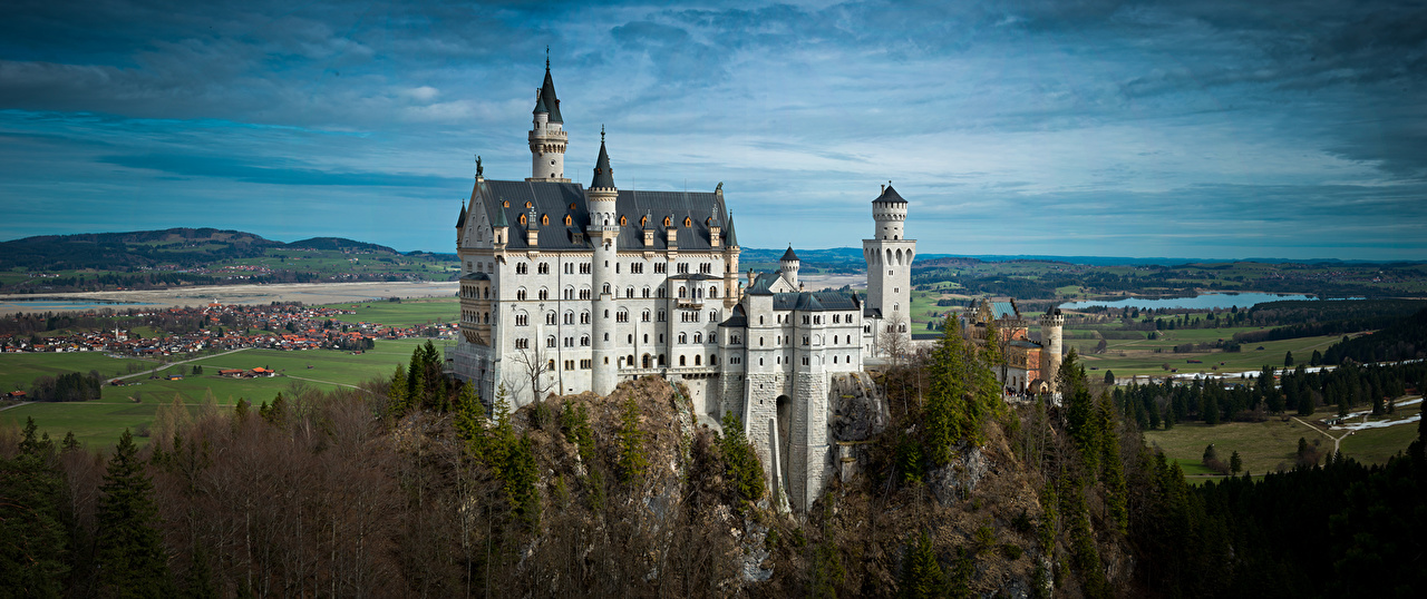 Картинка Бавария Нойшванштайн Германия Замки город замок Города