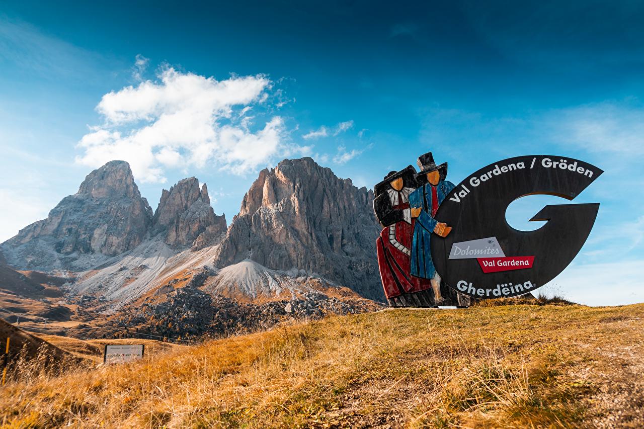 Обои для рабочего стола Италия Val Gardena, South Tyrol, Dolomites Горы Природа