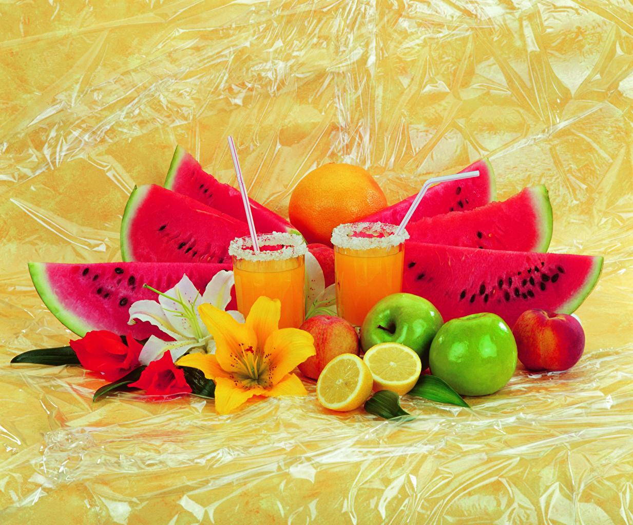 Картинка Сок Лилии Апельсин Лимоны Яблоки Арбузы стакана Еда лилия Стакан стакане Пища Продукты питания