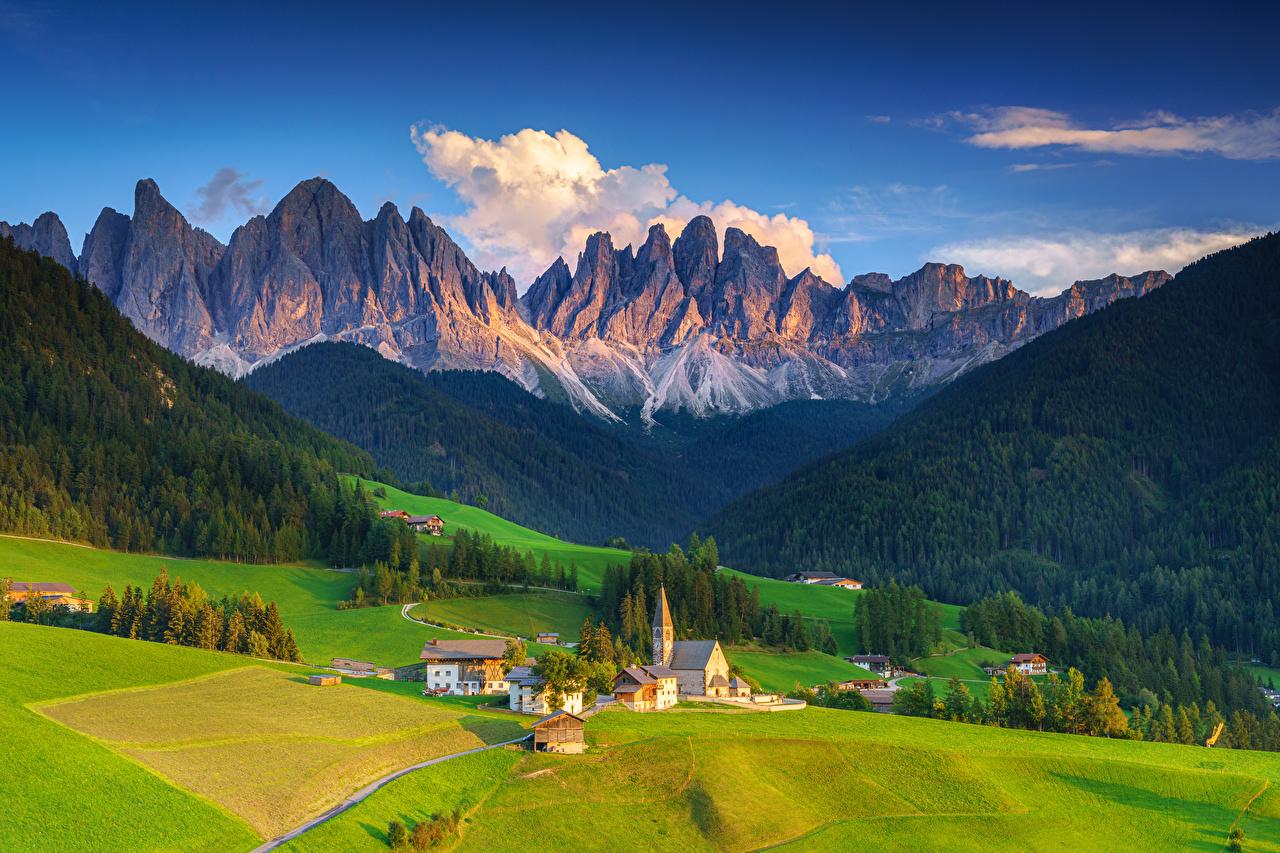Фото Церковь Альпы Италия Santa Maddalena Alta Долина Горы Природа Пейзаж альп гора