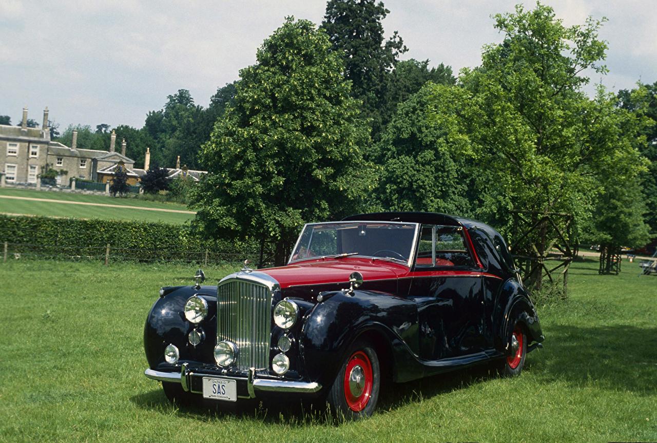 Картинки Bentley 1949 Mark VI Sedanca Coupe by Gurney Nutting Ретро Черный авто Металлик Бентли винтаж черная черные черных старинные машина машины Автомобили автомобиль