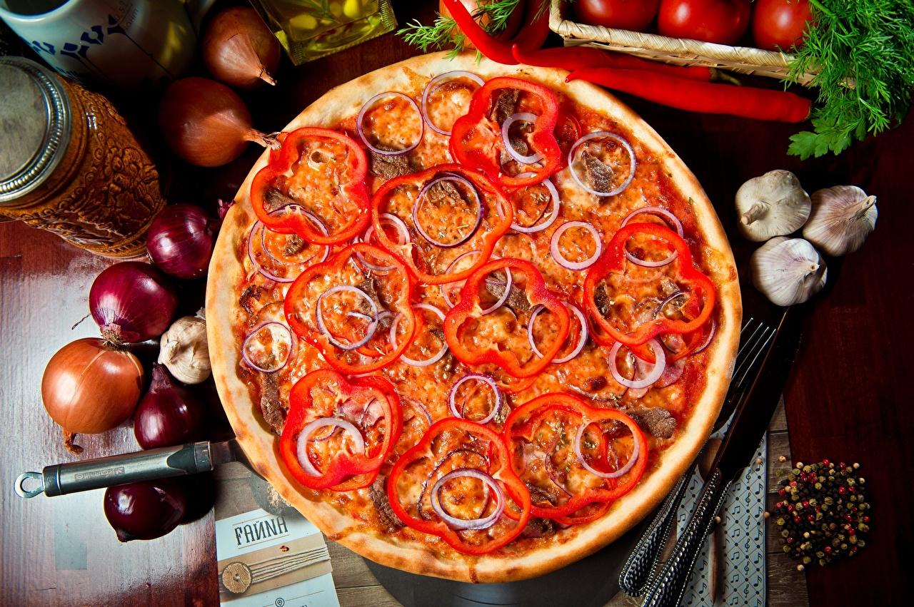 Фотографии Пицца Лук репчатый Пища перец овощной вблизи Еда Перец Продукты питания Крупным планом