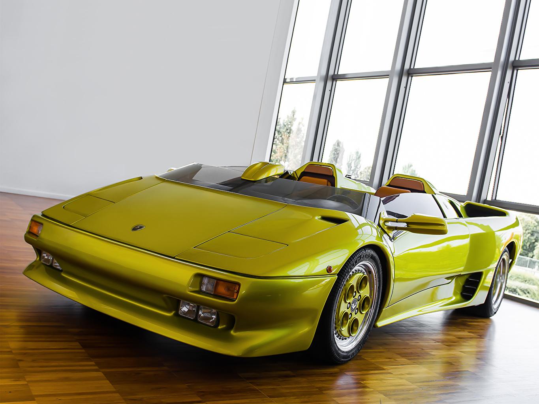 Фотография Lamborghini 1992   Diablo Roadster Prototype Родстер люксовые кабриолета салатовые фар Спереди Автомобили Ламборгини дорогая дорогой дорогие роскошная роскошный Роскошные Кабриолет салатовая Салатовый желто зеленый Фары авто машина машины автомобиль
