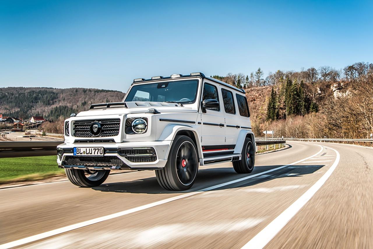 Фотографии Mercedes-Benz гелентваген CLR G770 белая Движение Автомобили Мерседес бенц G-класс Белый белые белых едет едущий едущая скорость авто машины машина автомобиль