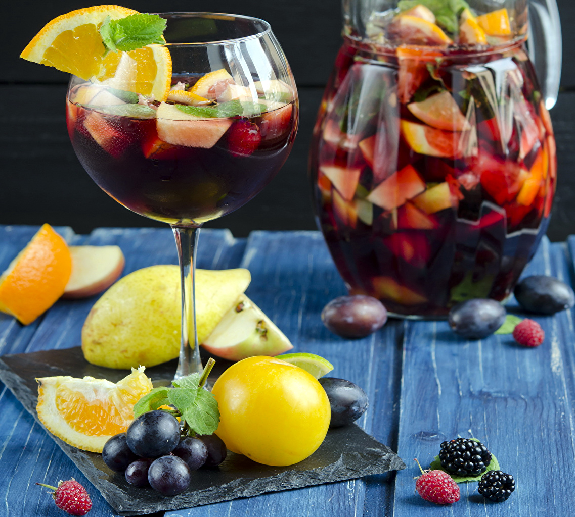 Обои для рабочего стола Сок Лимоны кувшины Виноград Еда бокал Фрукты Напитки Кувшин Пища Бокалы Продукты питания напиток