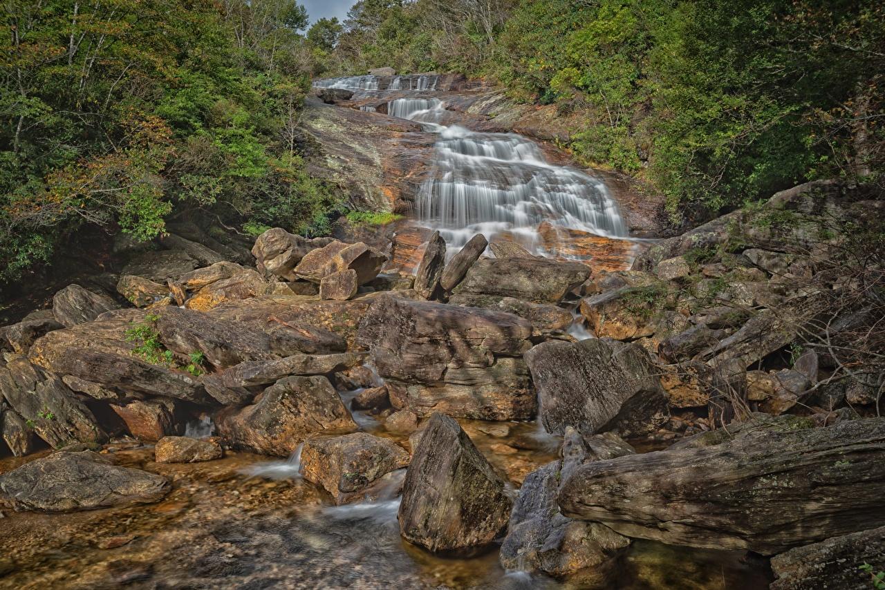 Фотография США North Carolina Природа Водопады речка Камни штаты америка река Реки Камень