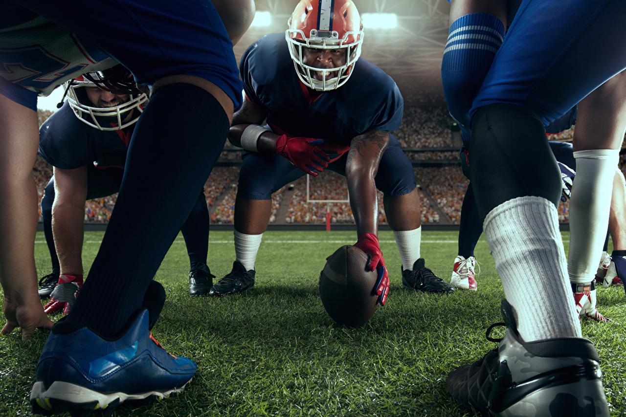 Картинка шлема Мужчины Американский футбол спортивный Ноги Мяч Шлем в шлеме мужчина Спорт спортивная спортивные ног Мячик