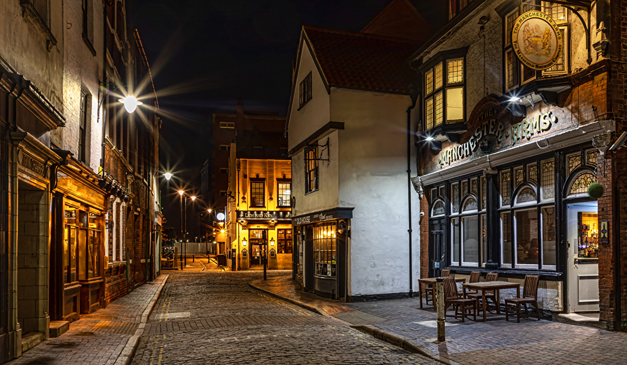 Фото Англия Kingston upon Hull City Улица Дороги Ночные Уличные фонари Города Здания улиц улице Ночь ночью в ночи Дома