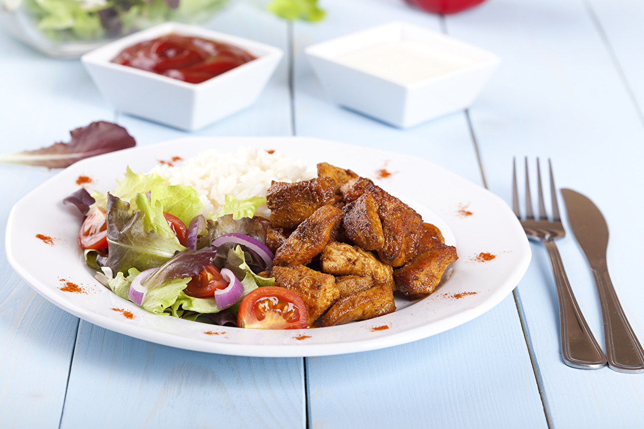 Фотографии ножик кетчупом Еда Вилка столовая Мясные продукты Вторые блюда Нож Кетчуп кетчупа Пища вилки Продукты питания