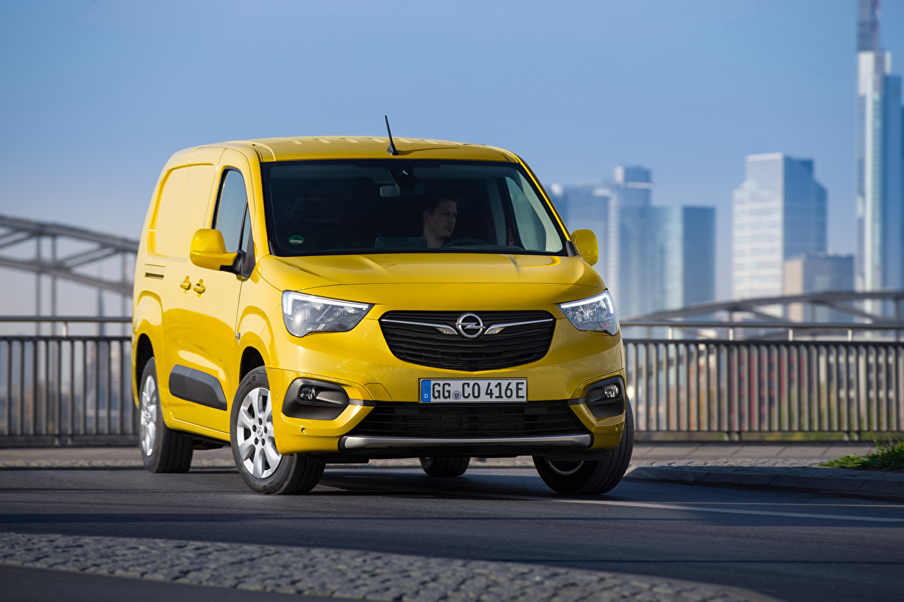Обои для рабочего стола Опель Combo-e Cargo XL, 2021 Фургон желтые машины Металлик Opel желтая Желтый желтых авто машина Автомобили автомобиль