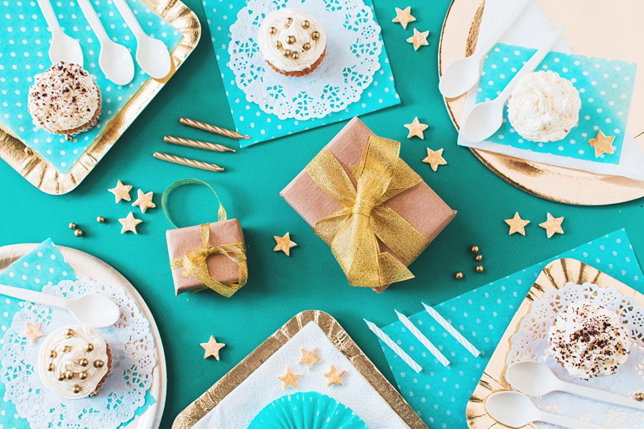 Фото День рождения Капкейк кекс Подарки Еда Бантик подарок подарков Пища бант бантики Продукты питания