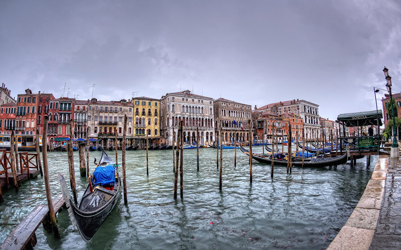 Фотографии Венеция Италия San Polo Водный канал Лодки Причалы Города Здания Пирсы Пристань Дома