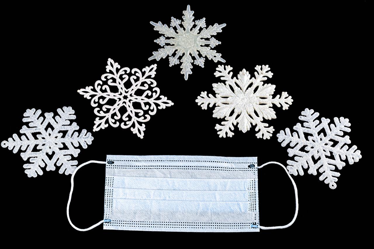 Картинки Коронавирус Рождество Снежинки Маски на черном фоне Новый год снежинка Черный фон
