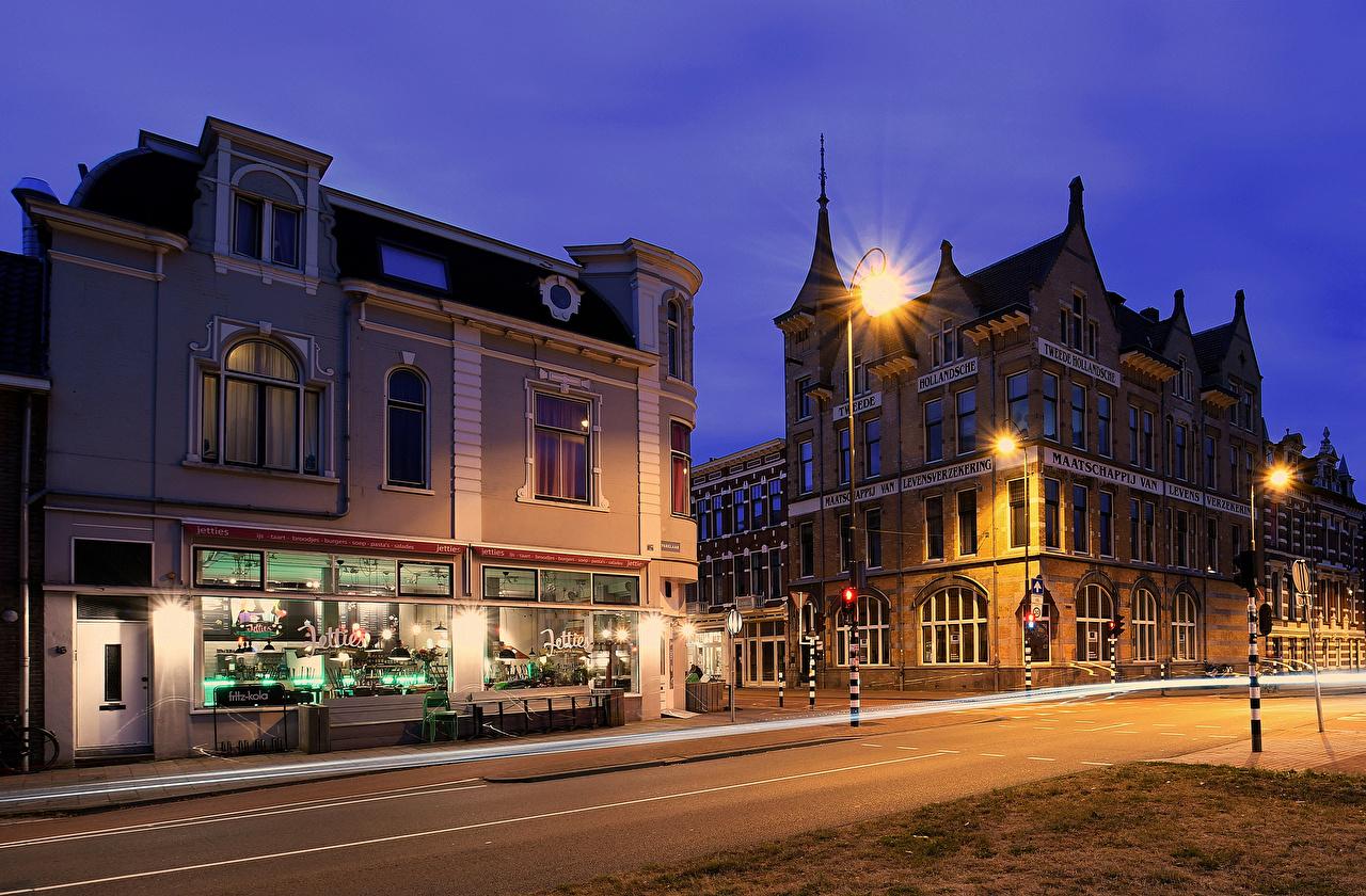 Фотография голландия Haarlem улице Ночные Уличные фонари город Здания Нидерланды улиц Улица Ночь ночью в ночи Дома Города