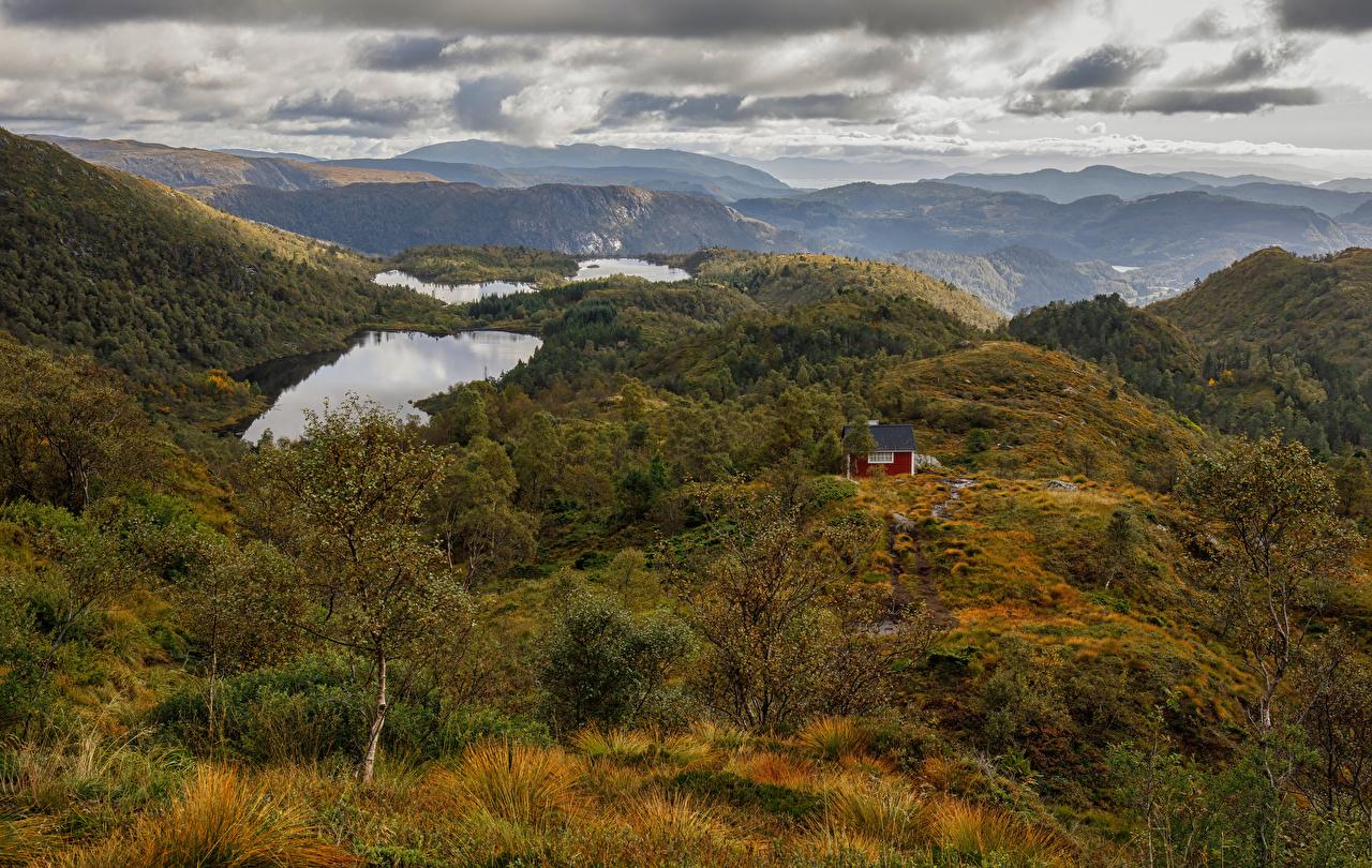 Картинка Норвегия Lægdene гора Осень Природа облачно Горы осенние Облака облако