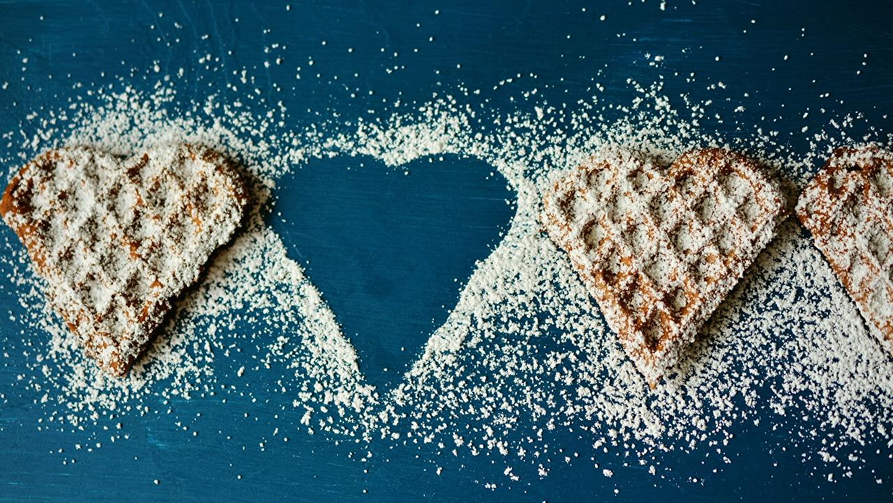 Картинки Сердце вафля Сахарная пудра Продукты питания Выпечка серце сердца сердечко Вафли Еда Пища