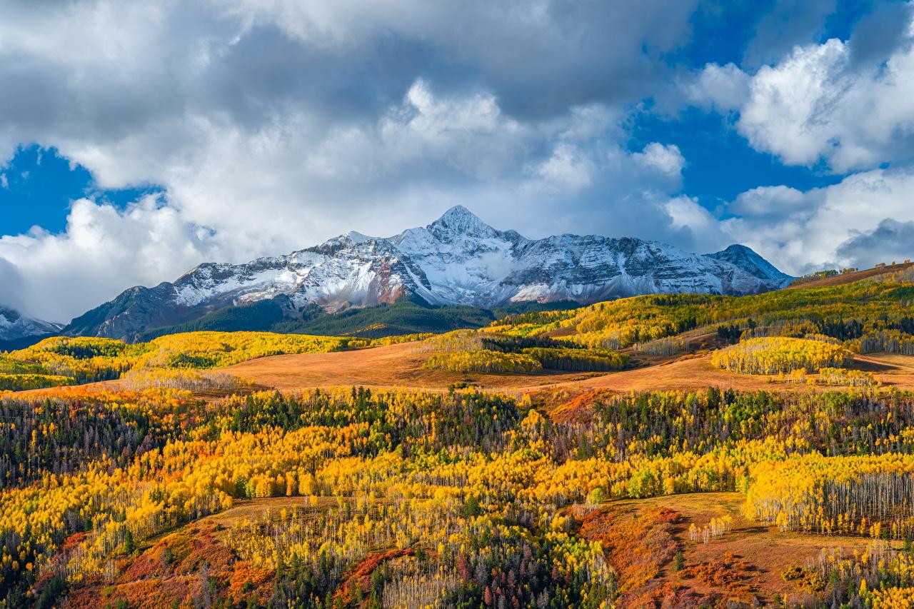 Картинки штаты Wilson Peak, Colorado гора осенние Природа Пейзаж облако США америка Горы Осень Облака облачно