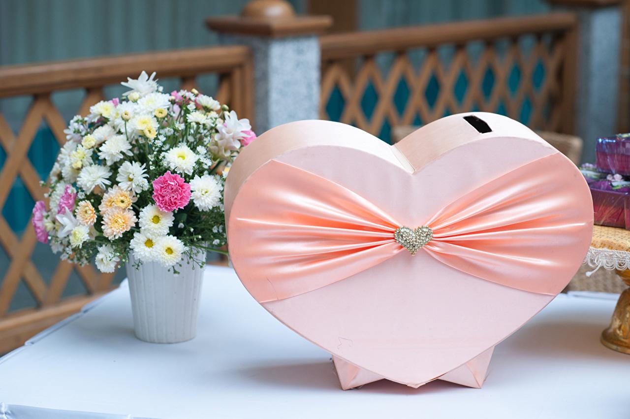 Фотография серце Букеты Хризантемы ленточка Украшения Сердце сердца сердечко Лента