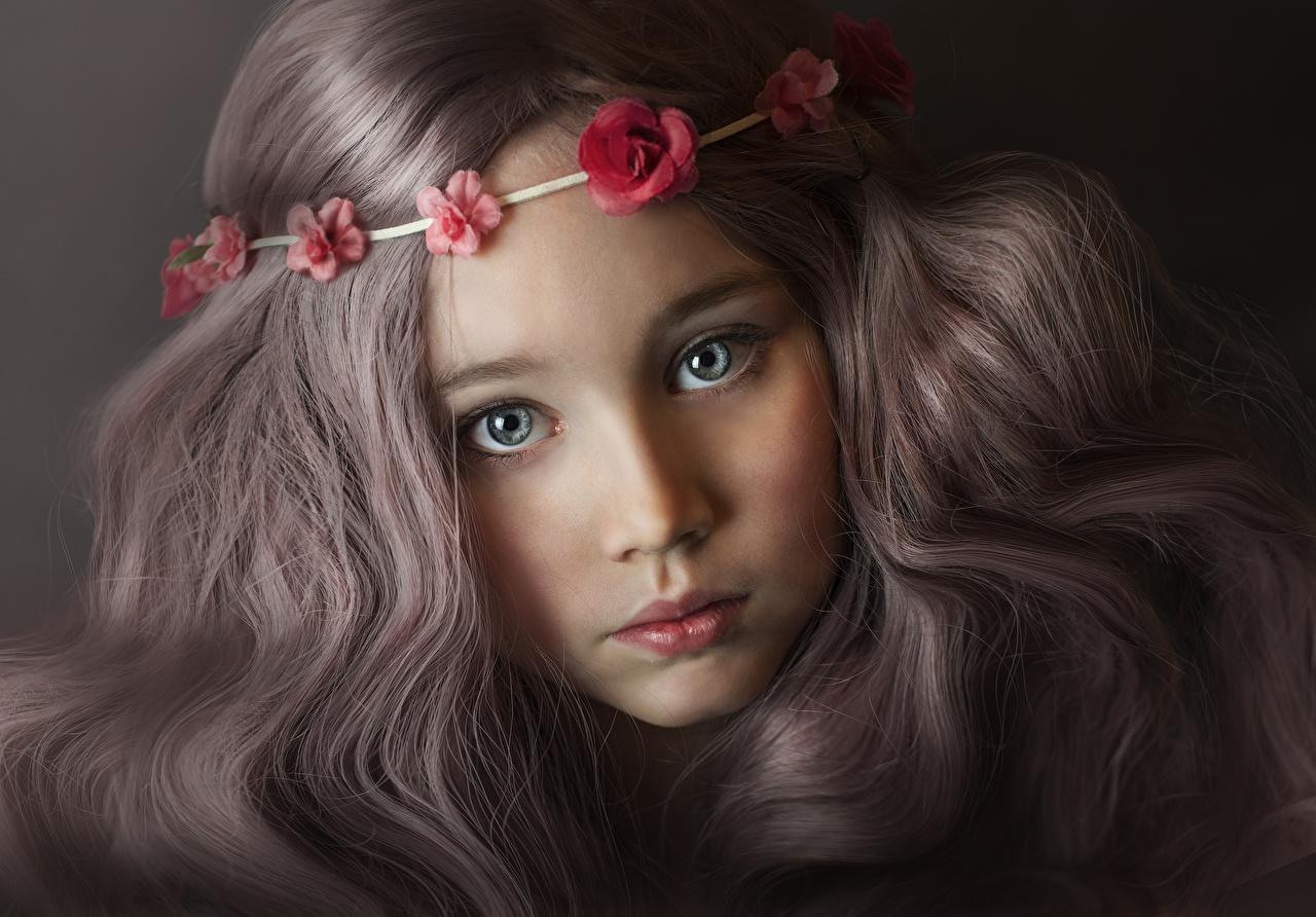 Обои для рабочего стола Девочки русых Милые красивый Дети Лицо Волосы Взгляд девочка Русые русая милая милый красивая Красивые Миленькие ребёнок лица волос смотрит смотрят