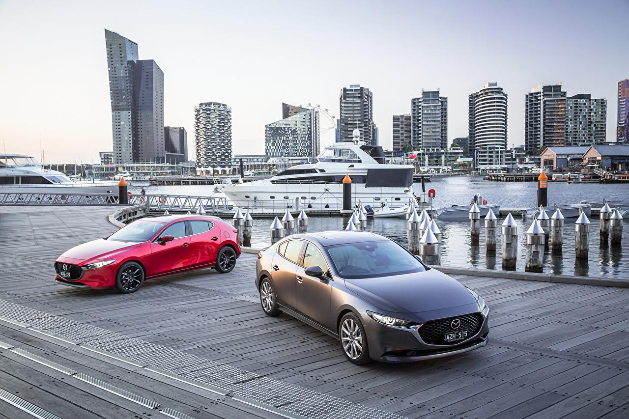 Картинки 2019 Mazda 3 Двое машина Мазда 2 два две вдвоем авто машины Автомобили автомобиль