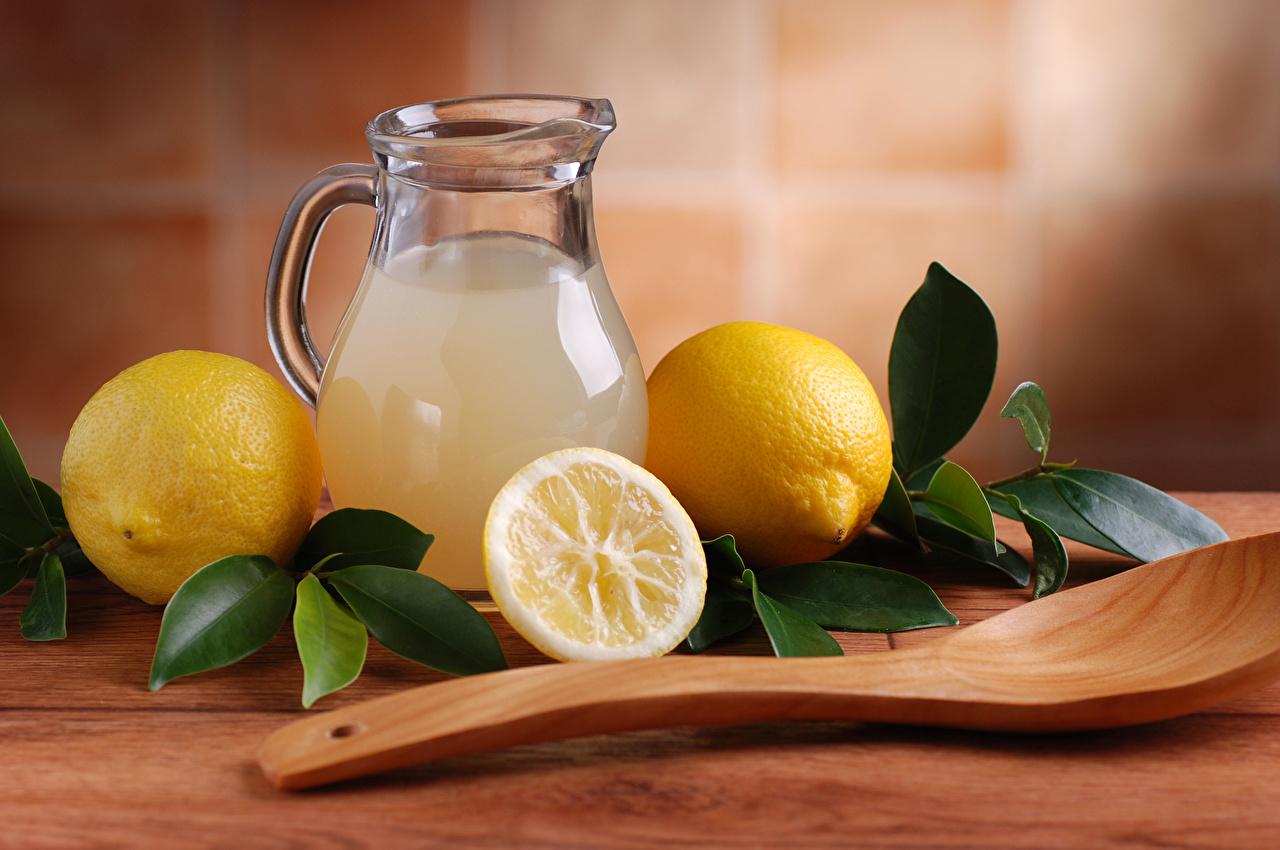 Фото Еда Ложка Лимоны Лимонад Листья кувшины напиток Пища Продукты питания ложки лист Листва Кувшин Напитки