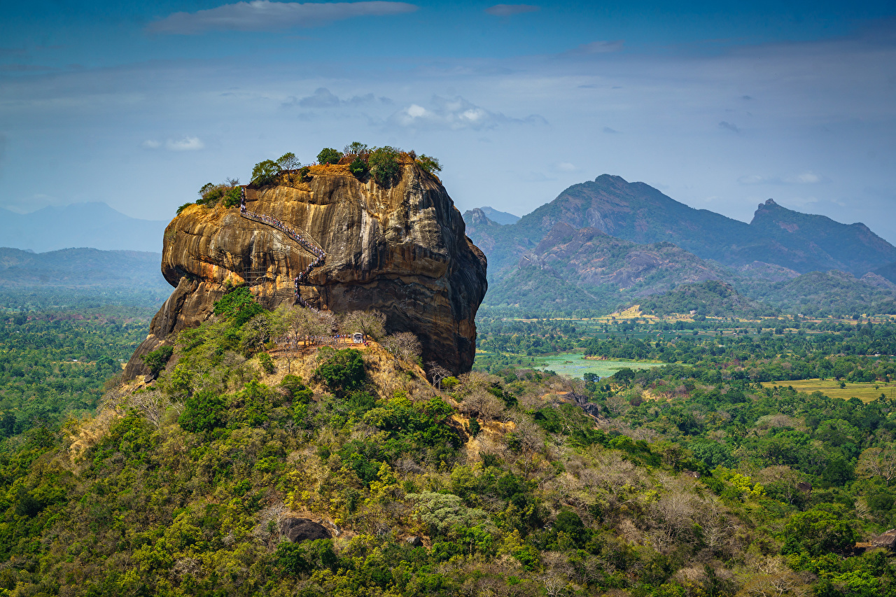 Картинки Шри-Ланка Sigiriya, Pidurangala, Matale District Горы Утес Природа гора скалы Скала скале