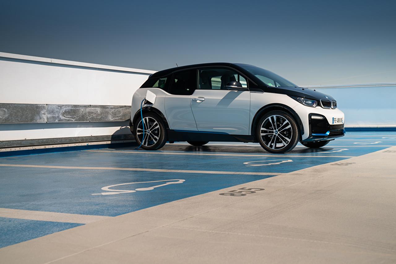 Фотографии BMW i3s, Edition WindMill, (I01), 2020 паркинг Сбоку машина БМВ стоянка Парковка парковке припаркованная авто машины Автомобили автомобиль