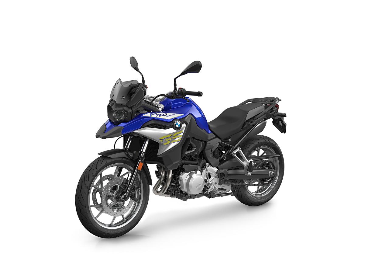 Фотография BMW - Мотоциклы 2020 F 750 GS Style Sport мотоцикл Белый фон БМВ Мотоциклы белом фоне белым фоном