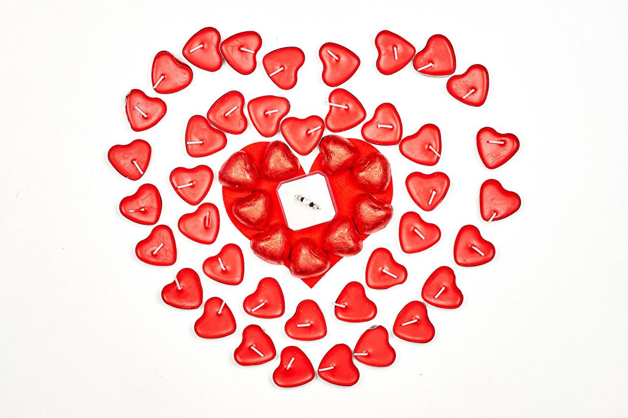 Обои для рабочего стола День всех влюблённых Сердце Еда Свечи Белый фон День святого Валентина серце сердца сердечко Пища Продукты питания белом фоне белым фоном