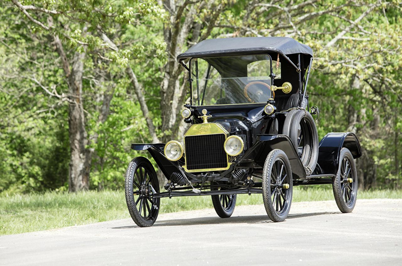 Фотография Ford 1915 Model T Runabout Черный старинные машины Форд Ретро винтаж черная черные черных авто машина Автомобили автомобиль