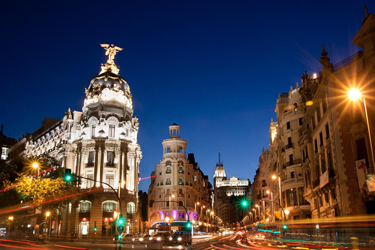 Фотография Мадрид Испания улице Движение ночью Здания Города улиц едет Улица едущий едущая скорость Ночь в ночи Ночные Дома город