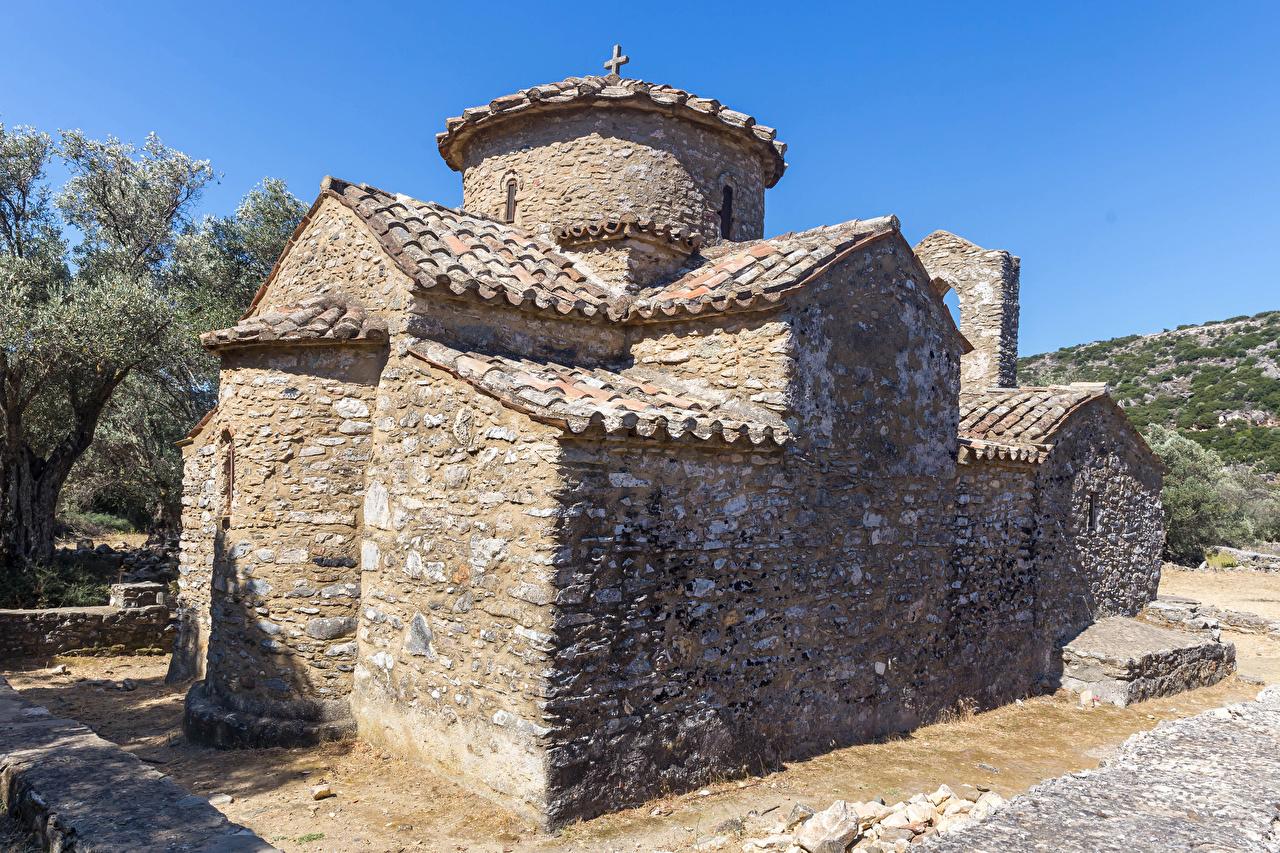 Фотографии Церковь Греция Agios Isidoros near Rachi, Naxos Храмы из камня Города храм Каменные город