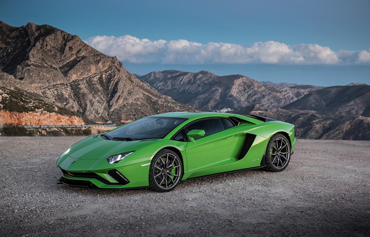 Обои для рабочего стола Ламборгини 2017-19 Aventador S Worldwide зеленая авто Металлик Lamborghini зеленых зеленые Зеленый машина машины автомобиль Автомобили
