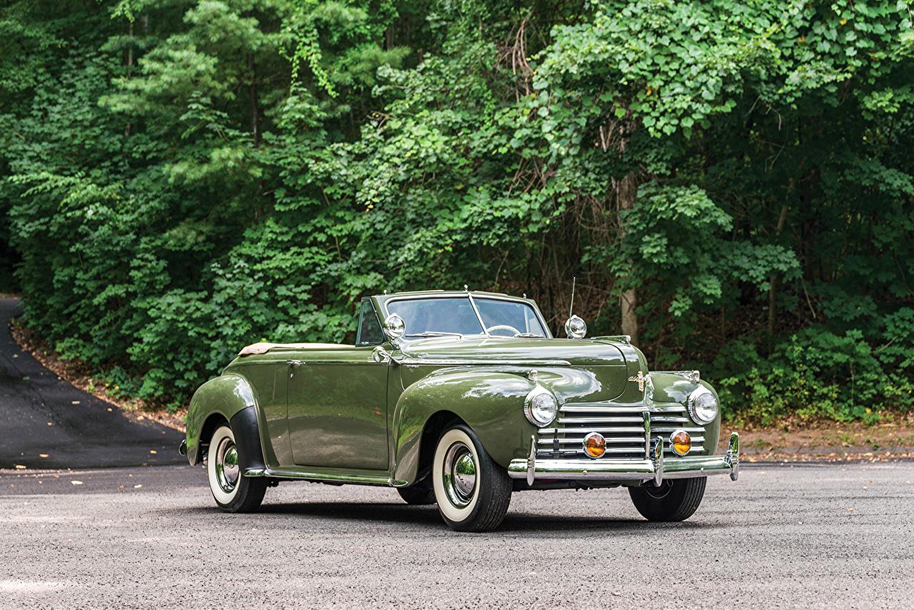 Обои для рабочего стола Chrysler 1941 New Yorker Convertible Coupe кабриолета Ретро зеленая Металлик автомобиль Крайслер Кабриолет Винтаж зеленых зеленые Зеленый старинные авто машина машины Автомобили