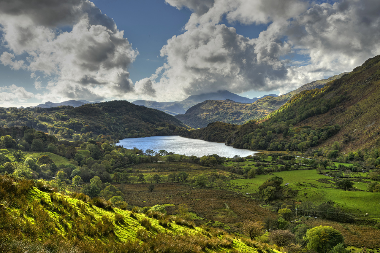 Фото Природа Nant Gwynant гора Уэльс Луга Озеро Пейзаж Облака Горы облако облачно
