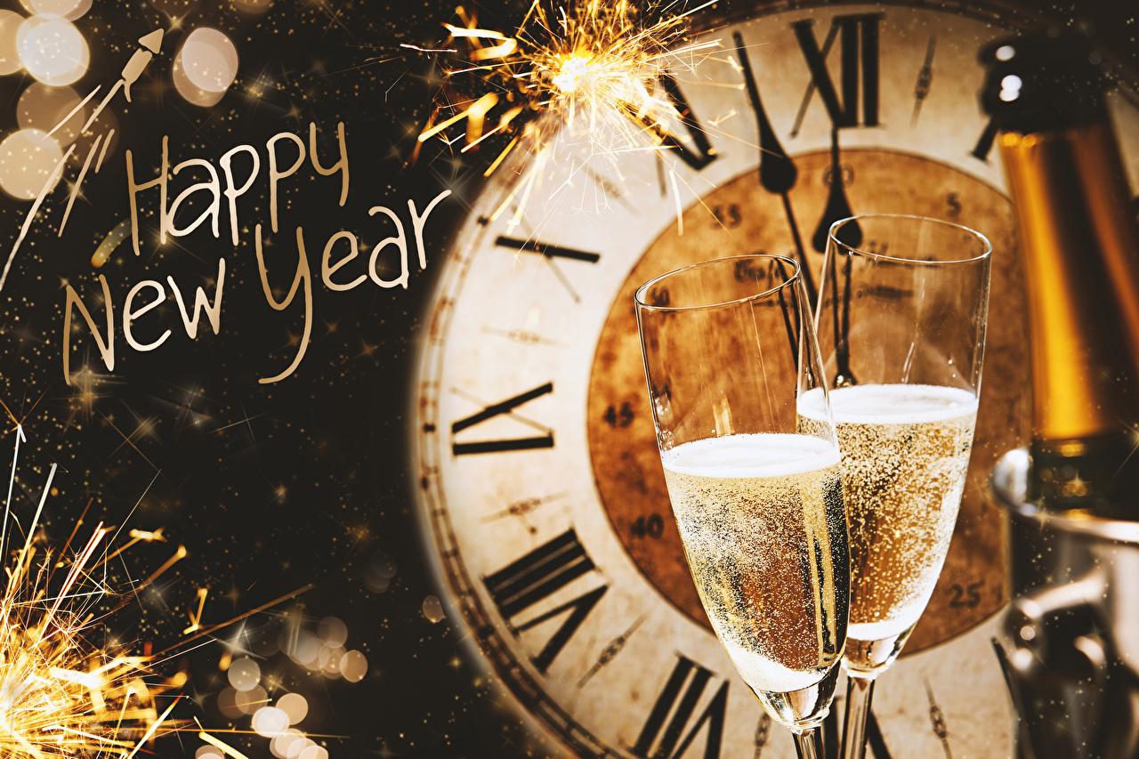 Обои для рабочего стола Новый год английская Бенгальские огни 2 Часы Шампанское Пища Бокалы Циферблат Рождество инглийские Английский два две Двое вдвоем Игристое вино Еда бокал Продукты питания