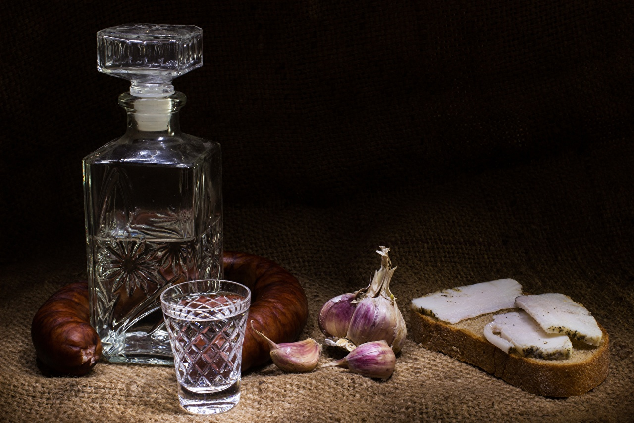 Vodka_Sausage_Garlic_Bread_Bottle_Shot_g