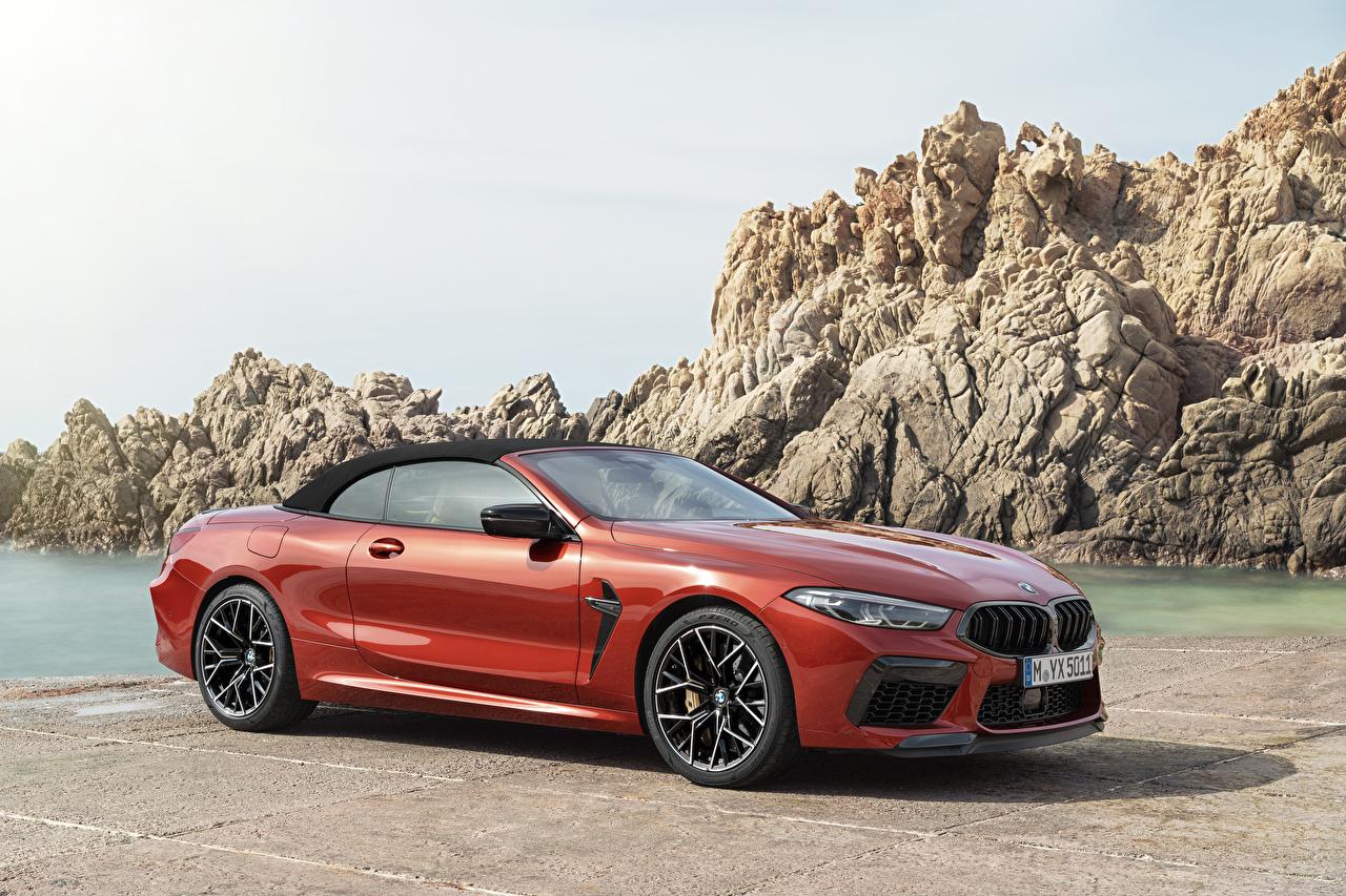 Обои для рабочего стола BMW 2019 M8 Competition Cabrio Worldwide Кабриолет Красный авто Металлик БМВ кабриолета красных красные красная машина машины автомобиль Автомобили
