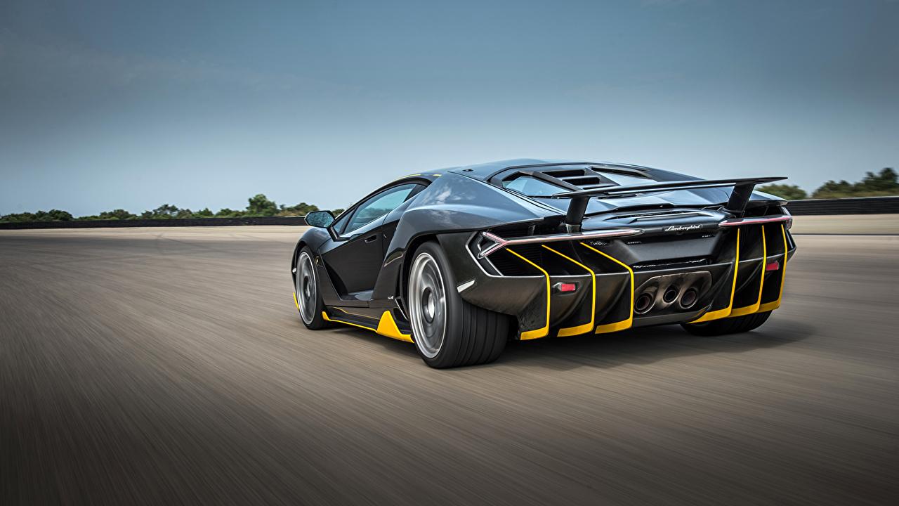 Фотография Ламборгини Centenario Coupe черных Движение авто Сзади Lamborghini Черный черные черная едет едущий едущая скорость машина машины вид сзади автомобиль Автомобили