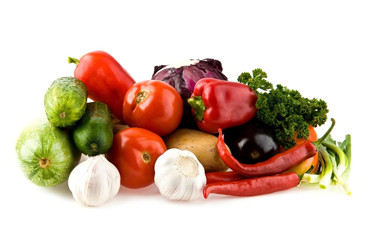 Фото Огурцы Помидоры Чеснок Еда перец овощной Томаты Пища Перец Продукты питания