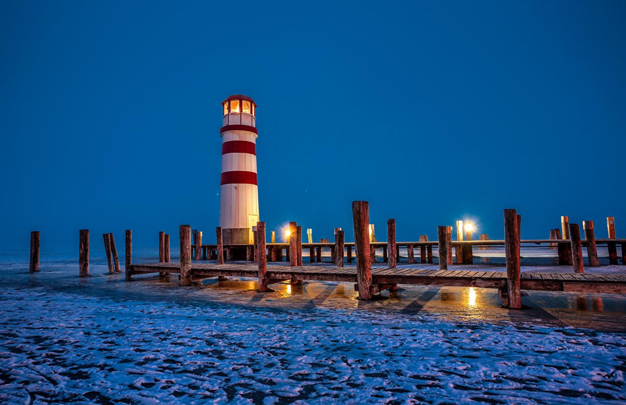 Фото Австрия Podersdorf маяк бревно Природа Снег Вечер Пристань Маяки Бревна снега снегу снеге Пирсы Причалы