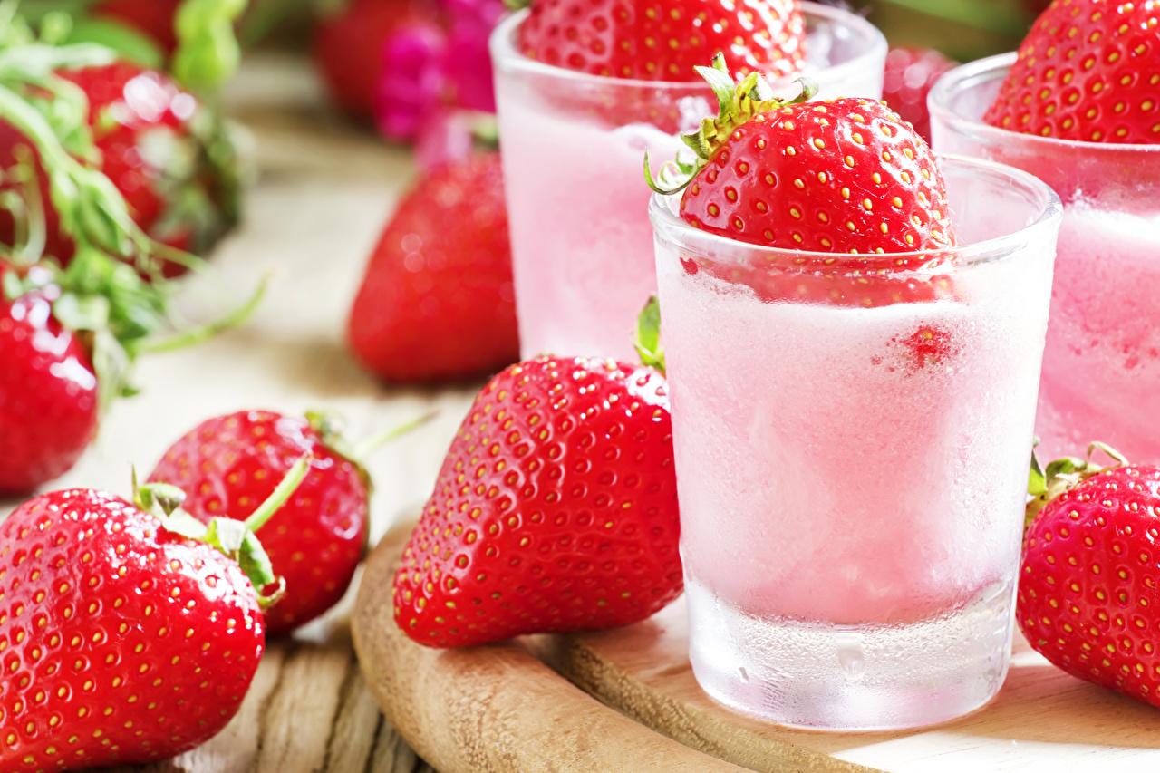 Обои для рабочего стола Мороженое стакана Клубника Еда сладкая еда Стакан стакане Пища Продукты питания Сладости