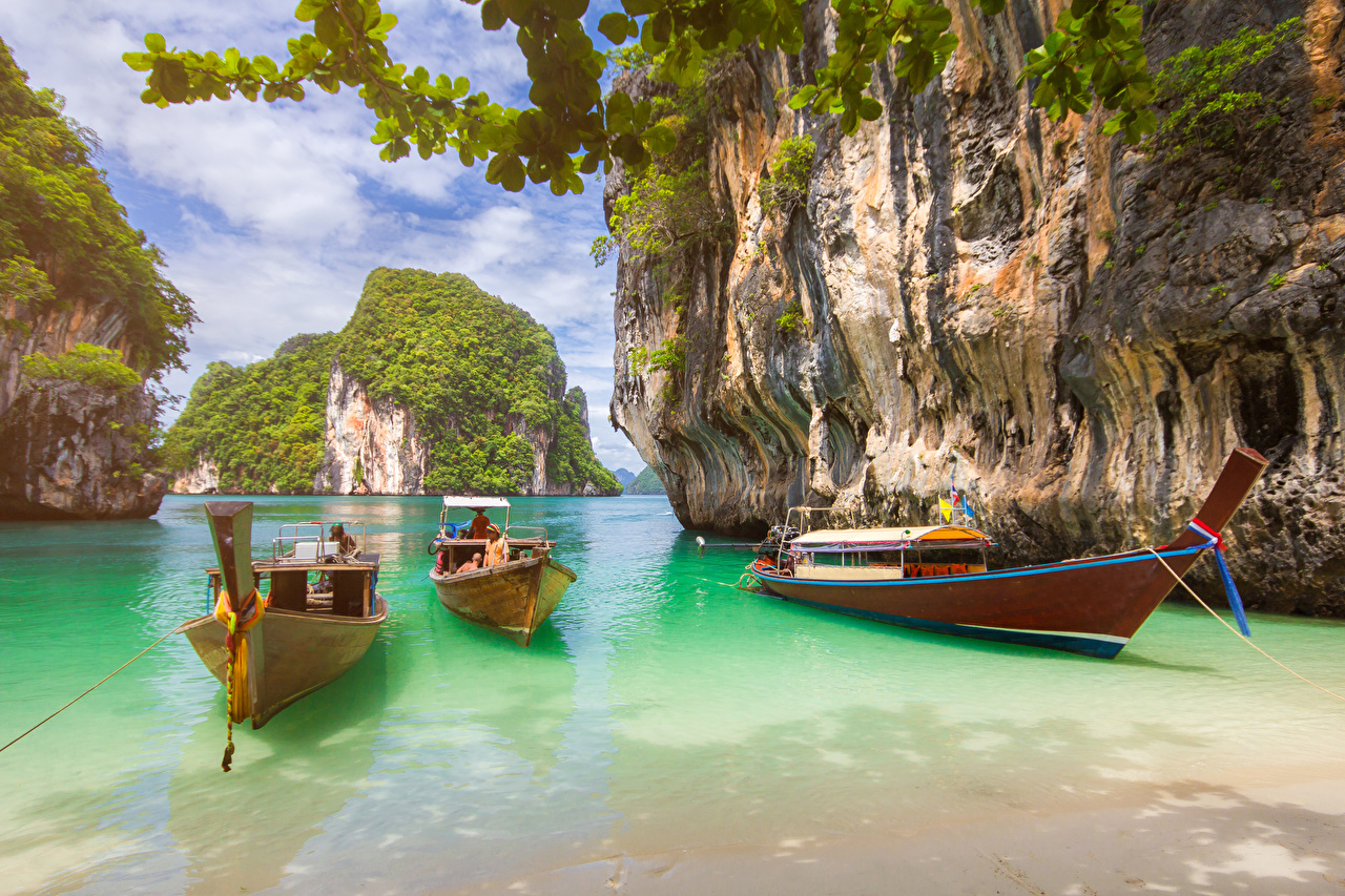 Картинки Таиланд Krabi Скала Природа тропический Лодки Залив Утес скале скалы Тропики залива заливы