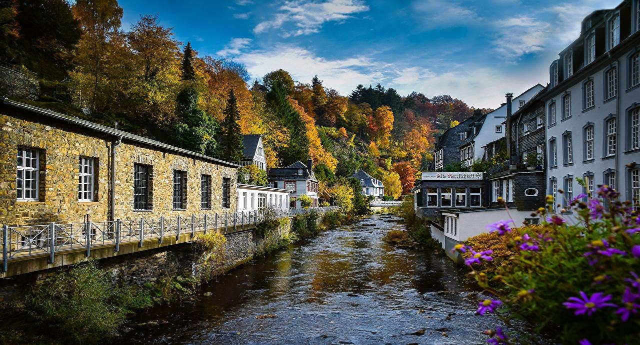 Фотографии Германия Monschau речка Дома город Деревья Реки река Здания дерево дерева Города деревьев