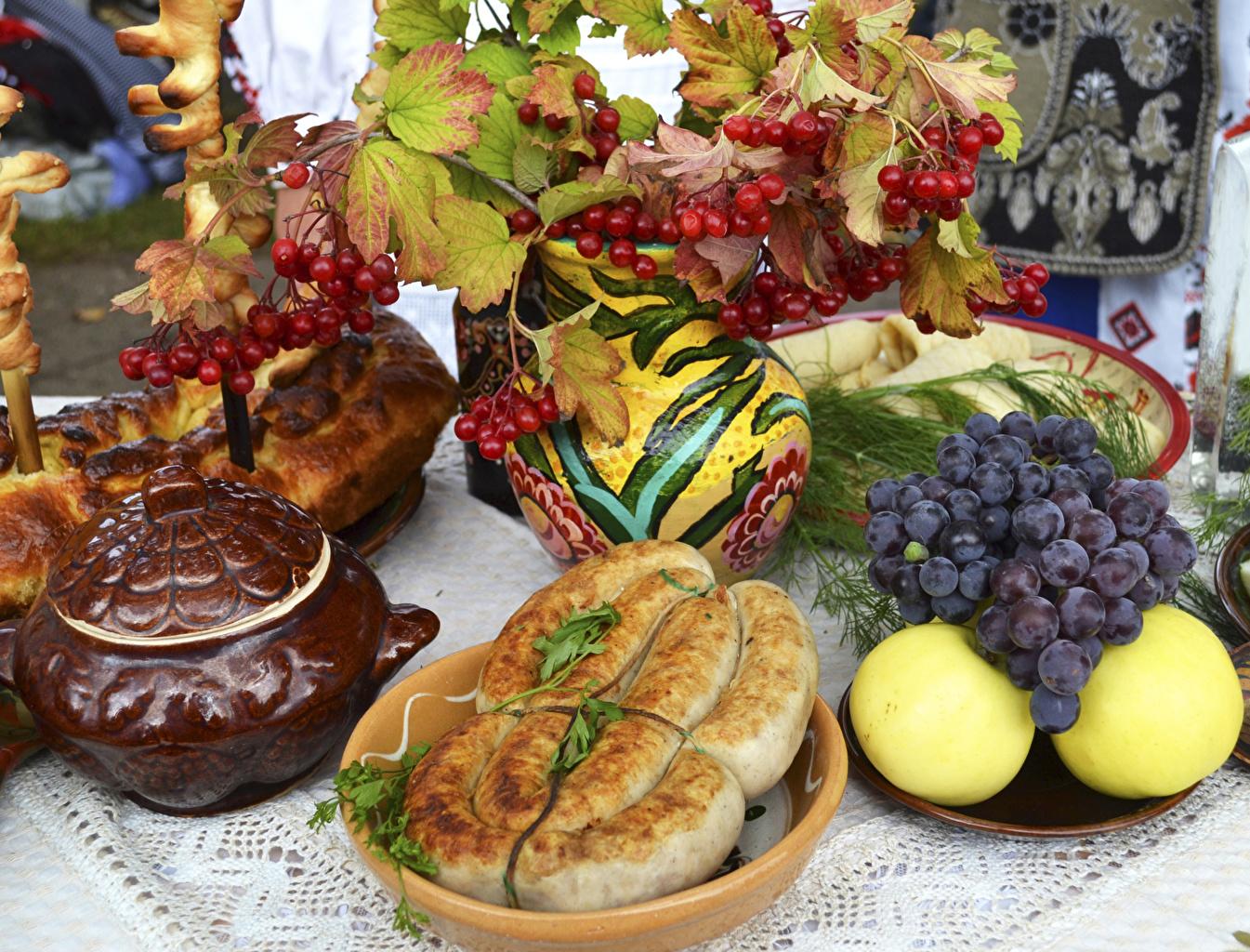 Картинки Рябина Колбаса Яблоки Виноград Еда Выпечка Пища Продукты питания