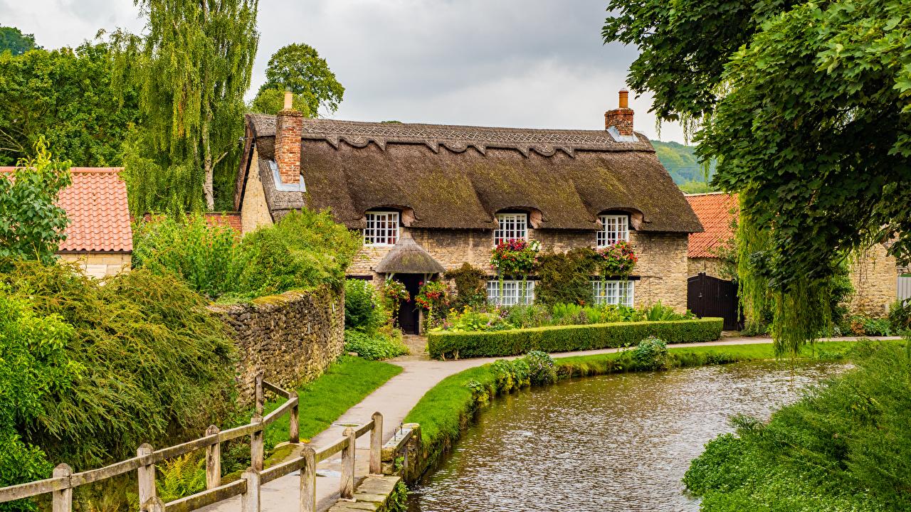 Фотография Англия поселок Thornton Dale Дома город село Деревня Здания Города