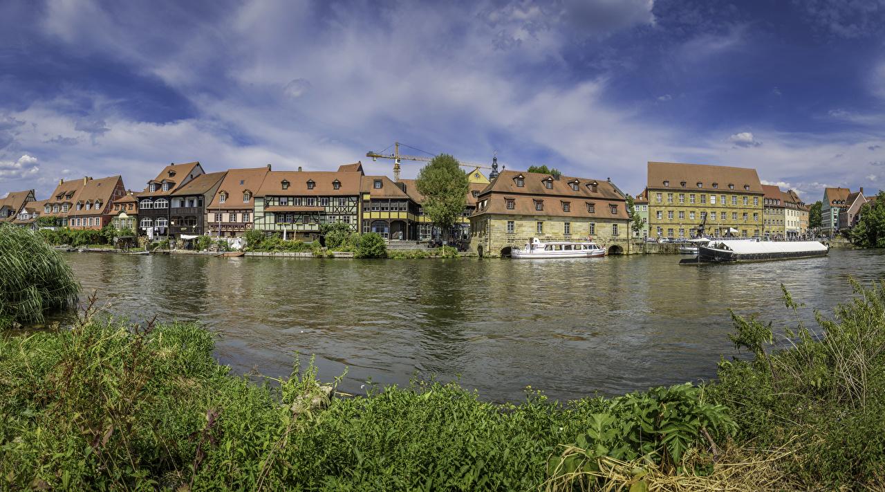 Фото Германия Bamberg Речные суда Реки Причалы Дома город река речка Пирсы Пристань Города Здания