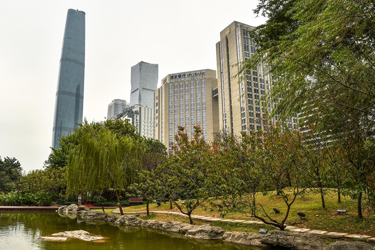 Фото Китай Guangzhou парк Пруд Дома дерева Города Парки город Здания дерево Деревья деревьев